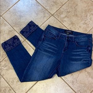 Sound Style Embellished Cuffed Jeans